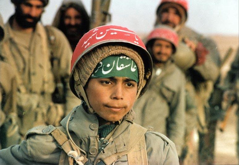 Obr. 3: Íránský dětský voják (zdroj: http://en.wikipedia.org).