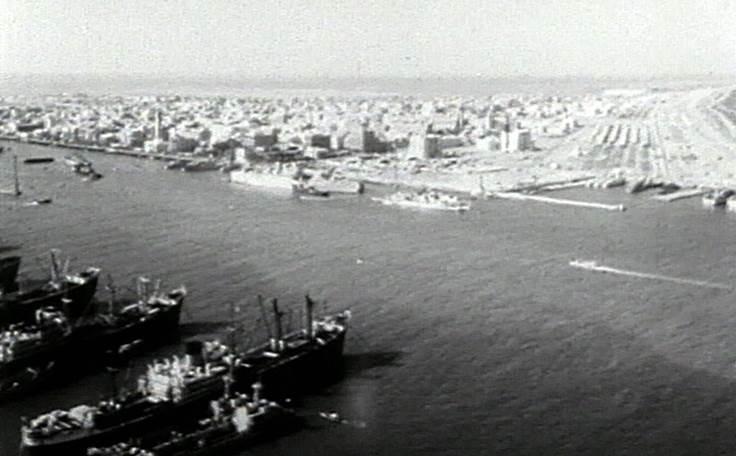 Obr. 1: Boje o strategický Suezský průplav v roce 1956 (zdroj: http://www.ceskatelevize.cz).